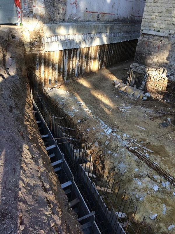 Demolizione fabbricato pericolante Ponte Milvio Roma