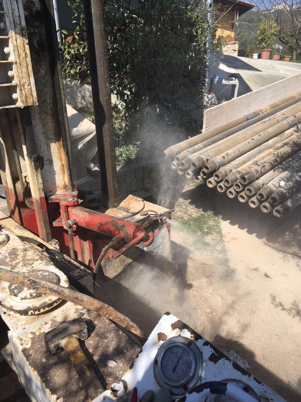 Perforazione Pozzo per acqua a Veroli diametro 220 - macchina CMV MK 900